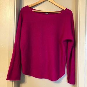 Vince Camuto fuchsia color wool/cashmere sweater